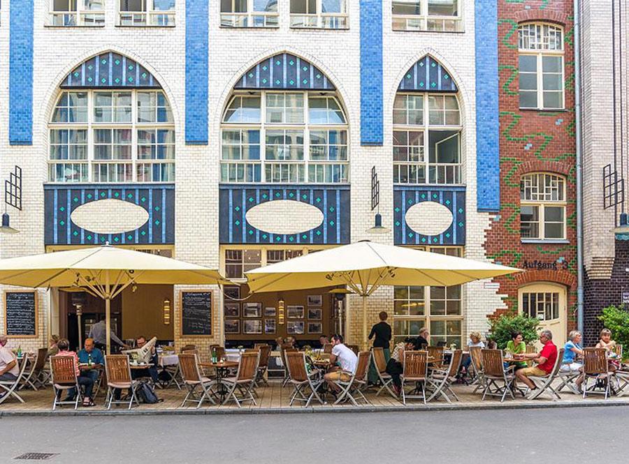 Fassade zum Hof Restaurant Hackescher Hof